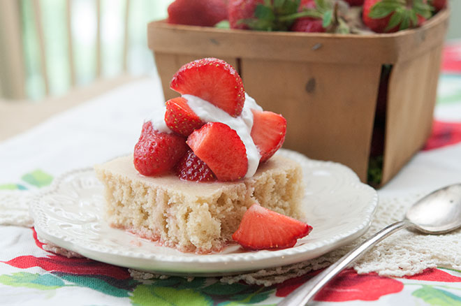 Vegan Strawberries & Vanilla Shortcake
